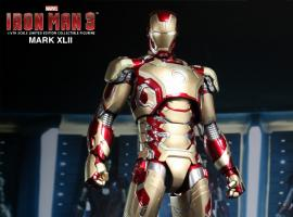 'Iron Man 3' Mark XLII Limited Edition Collectible Figurine by Hot Toys