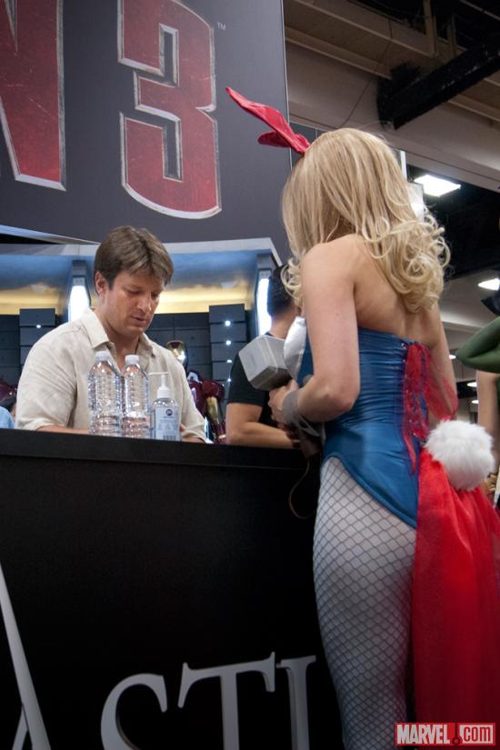 SDCC 2012: Nathan Fillion signing autographs