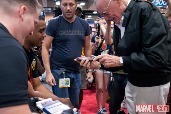 SDCC 2012: Stan Lee signing at the Marvel Booth