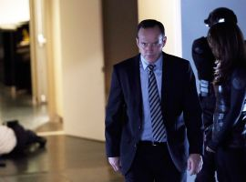 Clark Gregg stars as Agent Coulson in Marvel's Agents of S.H.I.E.L.D. Season 1, Ep. 5