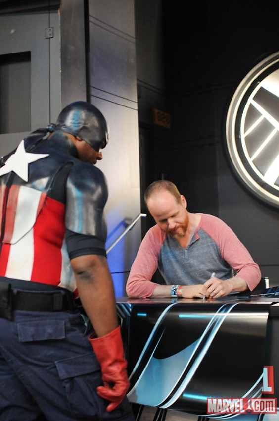 San Diego Comic-Con 2011: Joss Whedon signing at the Marvel booth