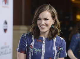 Star Elizabeth Henstridge celebrates the Season 3 premiere for 'Marvel's Agents of S.H.I.E.L.D.'