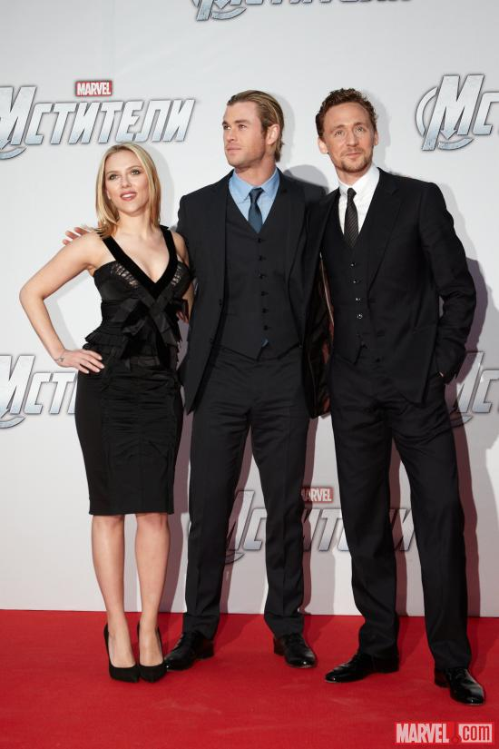 Scarlett Johansson, Chris Hemsworth and Tom Hiddleston on the red carpet of the Moscow premiere of Marvel's The Avengers