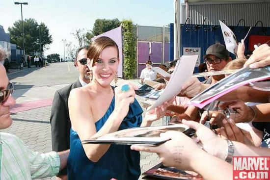 Liv Tyler signing for the fans