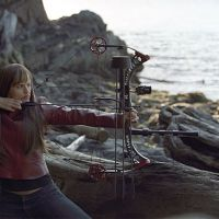 Elektra with bow and arrow