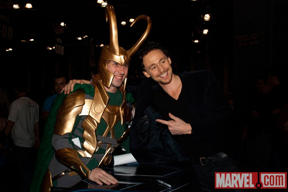 New York Comic Con 2011: Tom Hiddleston signing at the Marvel Booth