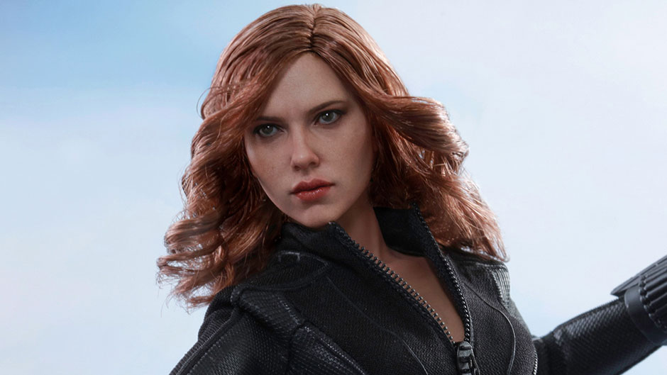 Black Widow Figure from Hot Toys
