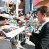 Edward Norton signing for the fans