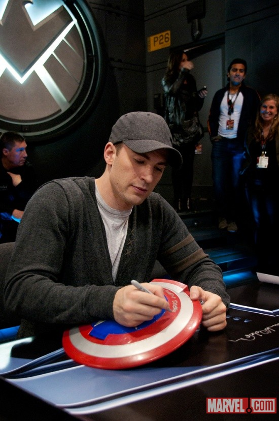 New York Comic Con 2011: Chris Evans signing at the Marvel Booth