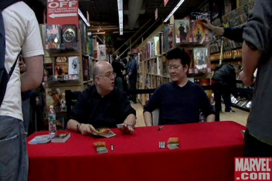 (L-R) Peter David and Jae Lee