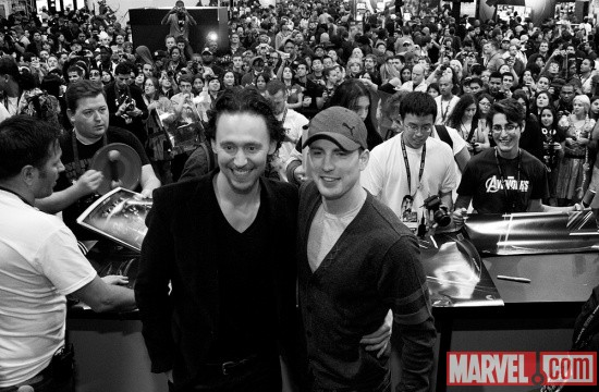 New York Comic Con 2011: Tom Hiddleston & Chris Evans signing at the Marvel booth