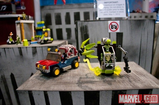 MEGA Brands Blocks Spider-Man and The Lizard vehicles