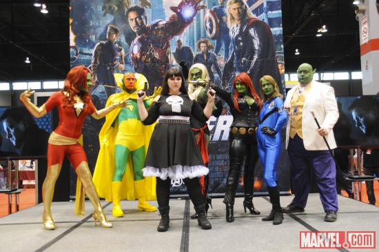 C2E2 2012: Janna with the Skrull Group