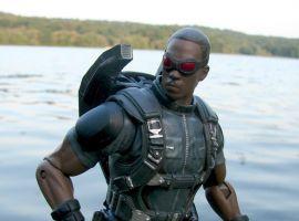 Marvel Select Movie Falcon figure