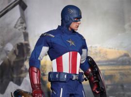 Marvel's The Avengers Captain America Figure from Hot Toys