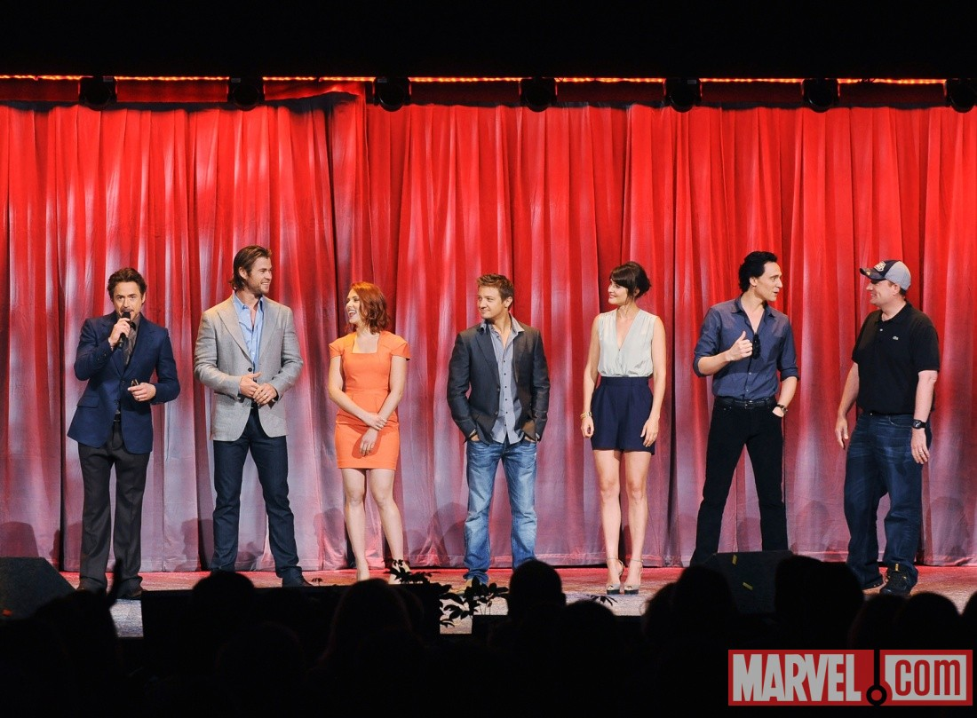 Robert Downey Jr., Chris Hemsworth, Scarlett Johansson, Jeremy Renner, Cobie Smulders, Tom Hiddleston & Kevin Feige at D23 2011