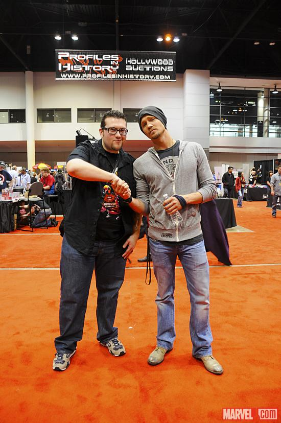 C2E2 2012: Ryan poses with Chad Michael Murray
