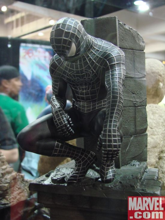 Spider-Man 3 Black Costume Spider-Man Statue