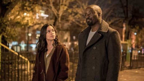 Claire (Rosario Dawson) and Luke (Mike Colter) take a walk in 'Marvel's Luke Cage,' streaming only on Netflix September 30!